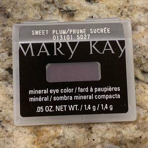Mary Kay Sweet Plum eyeshadow eye color